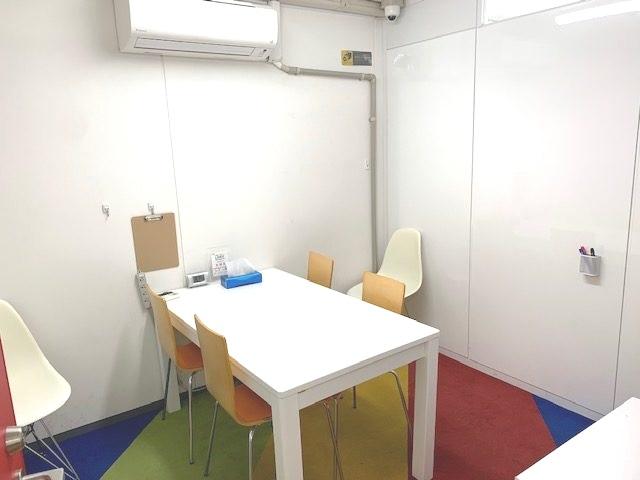 LITALICOワークス大阪なんばの面談室